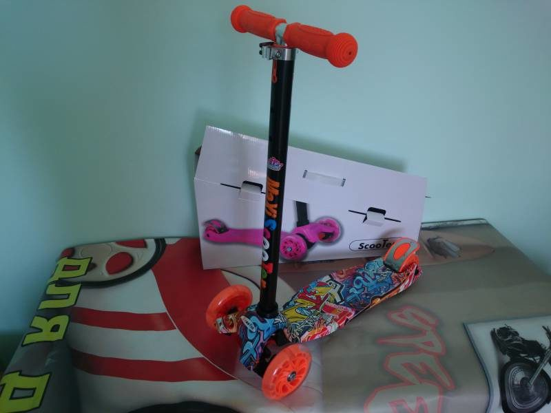 Самокат Maxi Scooter KS023 grafity
