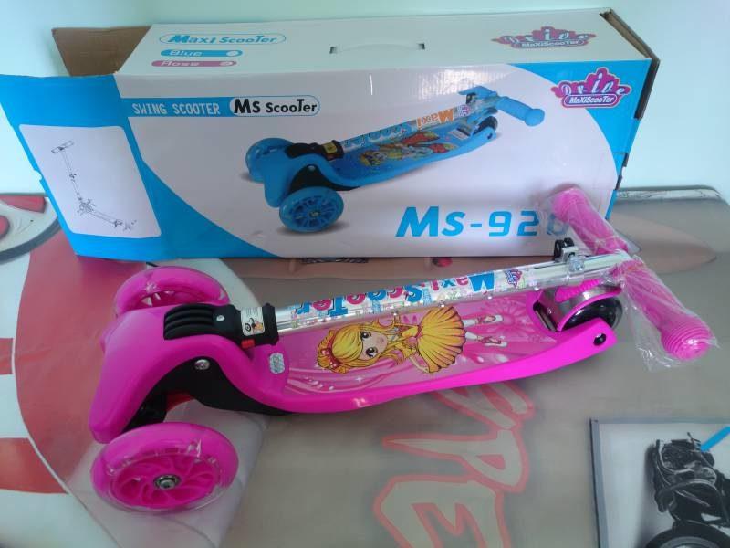 Самокат Maxi Scooter MS-920 pink сложенный